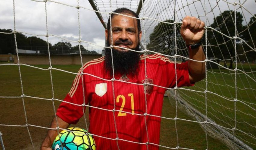 Потрясающее сочетание: имам и футболист