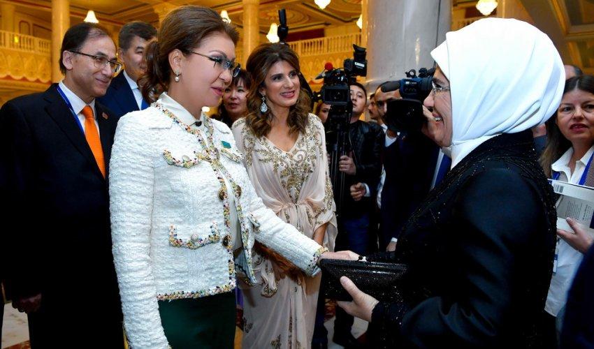 Дарига Назарбаева встретилась с первой леди Турецкой Республики Эмине Эрдоган
