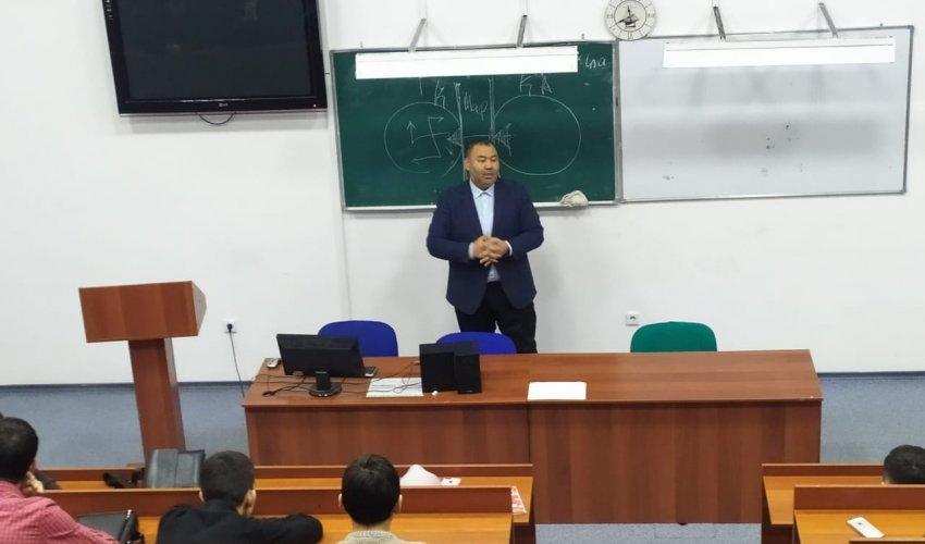 Павлодар имамдары университет студенттеріне дәріс оқыды