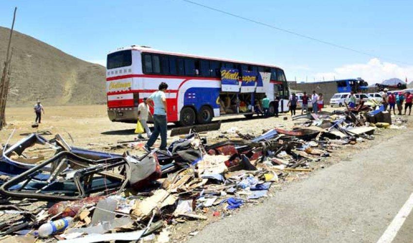 Перуде оқушылар автобусы құзға құлады