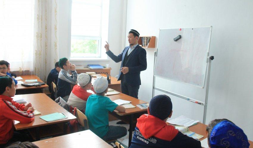 «Имани жаз» - мектеп оқушыларына діни тәлім тәрбие береді