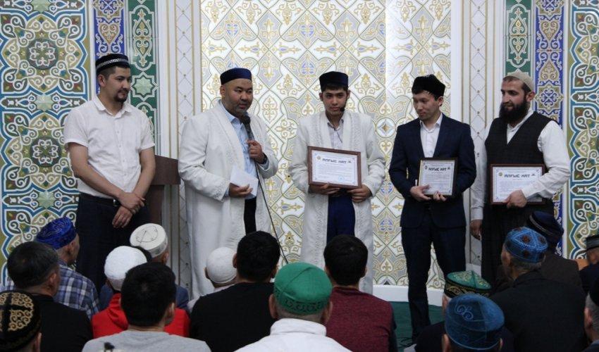 В павлодарских мечетях прочитали хатым-дуа