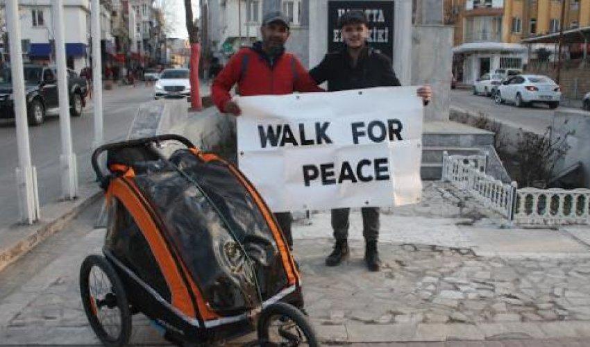 Мусульманин идёт пешком из Лондона в Мекку в Хадж