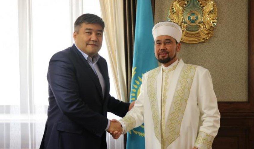 Жаңа министр Қазақстанның Бас мүфтиімен кездесті (ФОТО)