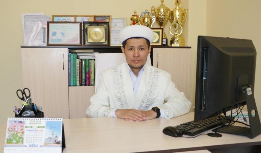 """Приветствие в Исламе / Асхат Кажымуратулы - В студии """"Халык радио"""""""