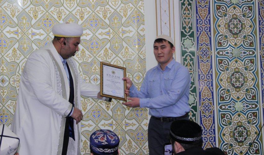 Павлодар:  «Тағам» асханалар желісінің асханасына «Халал» куәлігі табыс етілді