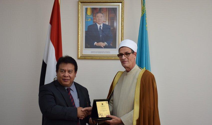 Малайзиялық делегация Нұр-Мүбаракта (ФОТО)