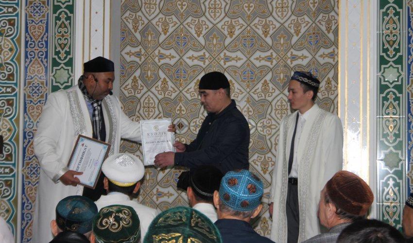 Павлодарский мясник получил сертификат «Халал» Духовного управления мусульман Казахстана